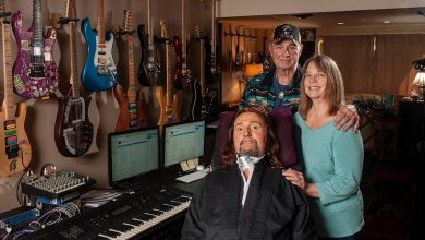 "Photo of Jason Becker's ""Triumphant Hearts"" Hits You In the Feels"